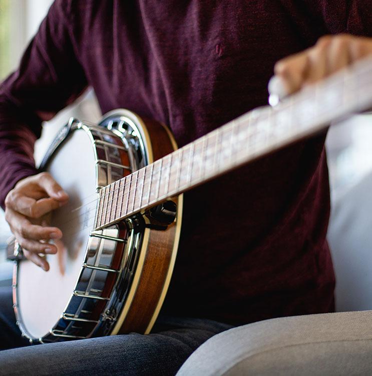 Tuning a banjo instrument